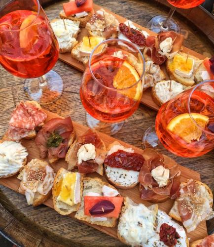Aperol Spritz and pochutky