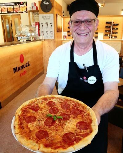 pizza by Giuseppe